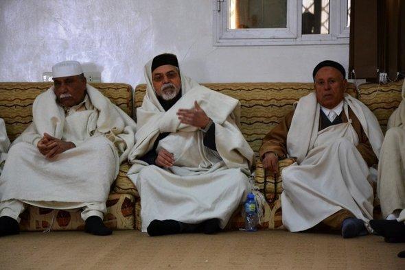 Treffen des Ältestenrats im Tahar Club in Bani Walid; Foto: Alfred Hackensberger
