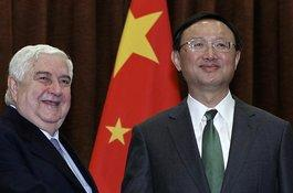 Der syrische Außenminister Walid Moallem auf Staatsbesuch in China mit Yang Jiechi; Foto: dpa