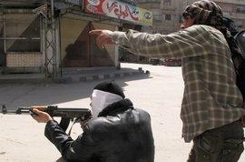 Einheiten der Freien Syrischen Armee in einem Vorort von Damaskus; Foto: AP