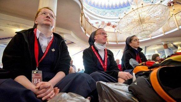 Katholiken in der Yavus Sultan Selim Moschee; Foto: dpa