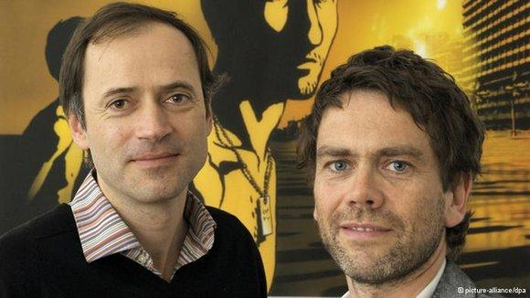 Die Filmproduzenten Gerhard Meixner (links) und Roman Paul; Foto: © picture-alliance/dpa