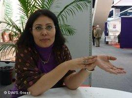 Die ägyptische Schriftstellerin Mansura Ez Eldin ; Foto: Samir Grees/DW