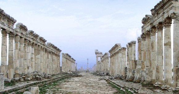 Säulenstraße in Apameia; Foto: Wikipedia