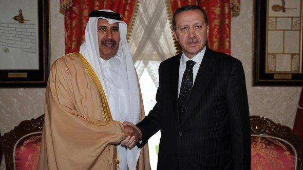 Erdogan und katarischer Premierminister Sheikh Hamad bin Jassim al-Thani; Foto: Reuters