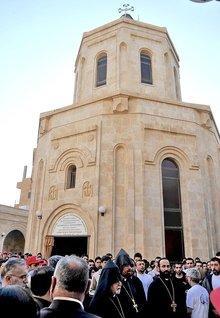 Kirche der Gedenkstätte für die Opfer des Völkermords an den Armeniern in Deir ez-Zor, Syrien; Foto: Serouj/Wikimedia Commons