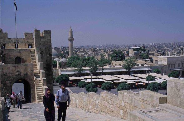 Aufgang zur Zitadelle in Aleppo; Foto: Claudia Mende