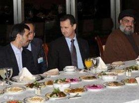 Irans Präsident Ahmadinedschad, Syriens Präsident Assad und Hisbollah-Führer Nasrallah; Foto: AP