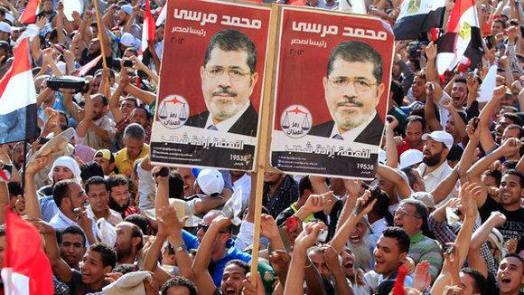 Anhänger Mohammed Mursis in Ägypten, Foto: Reuters