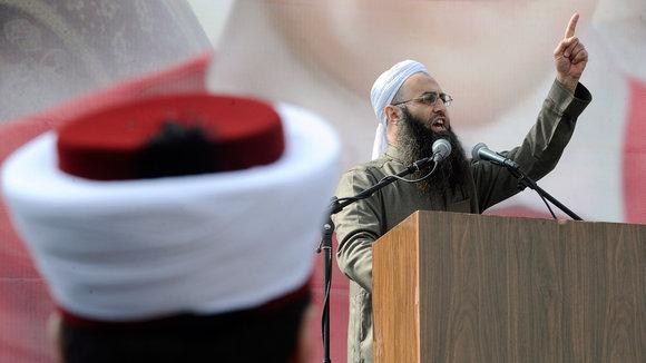 Salafistischer Prediger Ahmed al-Assir in Beirut, Foto: picture-alliance/dpa
