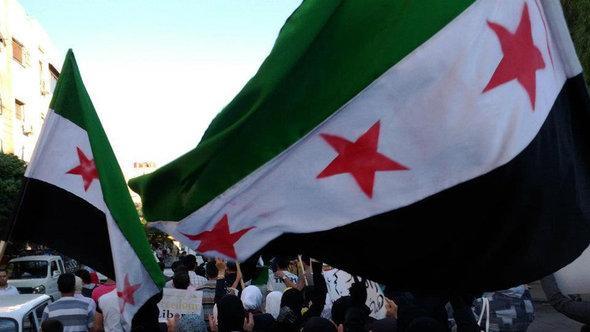 Assad-Gegner demonstrieren in Jubar bei damaskus; Foto: Reuters