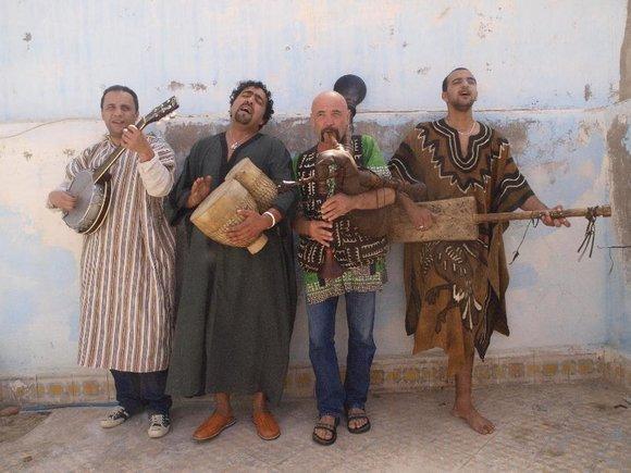 Bandformation Paco El Ghiwane; Foto: Andreas Kirchgässner