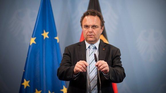 Bundesinnenminister Hans-Peter Friedrich (CSU); Foto: dapd