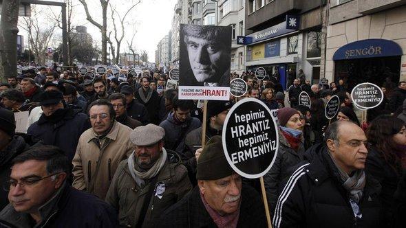 Schweigemarsch für Hrant Dink, Foto: Reuters