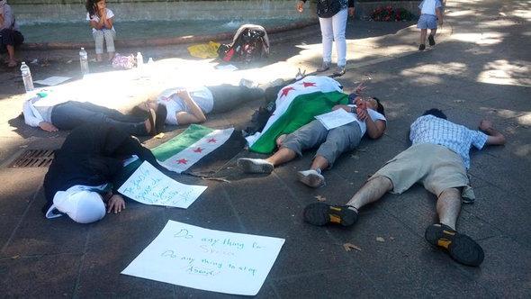 Protestaktion syrischer Aktivisten in Paris; Foto: privat