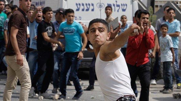 Proteste palästinensischer Jugendlicher in Ramallah; Foto: