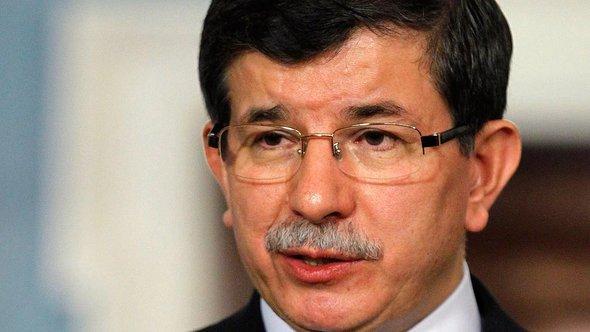 Der türkische Außenminister Ahmet Davutoglu; Foto: dapd
