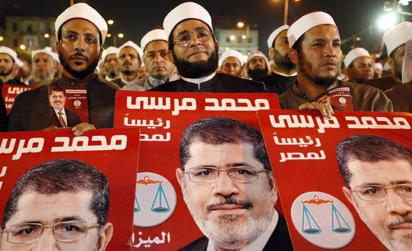 Anhänger Mohammed Mursis in Kairo; Foto: AP/dapd