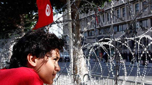 Demonstrant in der Avenue Habib Bourguiba in Tunis am 22. Oktober 22; Foto: Reuters