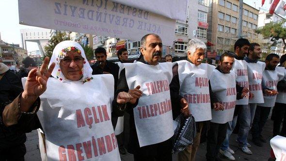 Kurdische Solidaritätsveranstaltung für die PKK; Foto: AFP