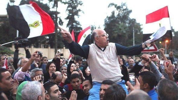 Proteste vor dem Präsidentenpalast in Kairo, 4. Dezember 2012; Foto: Reuters/Asmaa Waguih