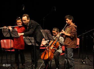 Konzert von Schülern der Barenboim-Said-Stiftung in Ramallah; Foto: DW/Mustafa Khabeisa
