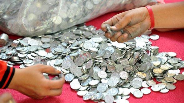 Geldsammeln für Prita Mulyasa imm Rahmen der Coin Prita-Kampagne; Foto: ADEK BERRY/AFP/Getty Images