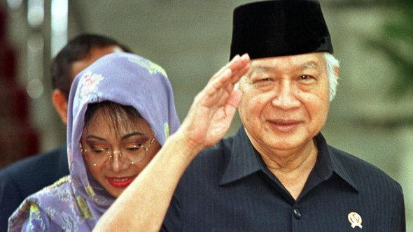 Indonesiens Präsident Soeharto; Foto: AP