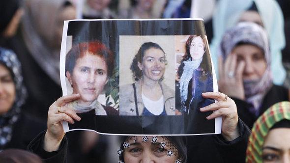 Demonstration der kurdischen Gemeinde in Marseille nach der Ermordung von drei Kurdinnen in Paris am 10. Januar 2013; Foto: EPA/Guillaume Horcajuelo