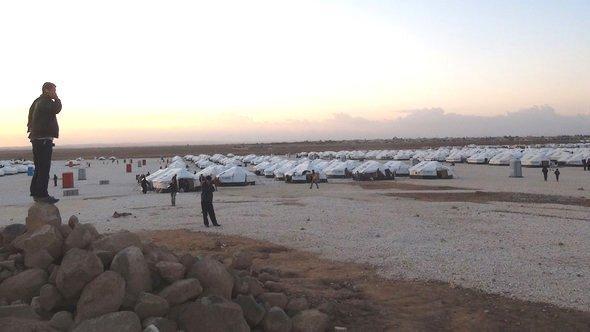 Zaatari refugee camp in Jordan close to the Syrian border (photo: Karen Leigh/DW)