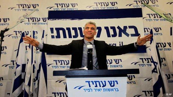 Yair Lapid nach seinem Wahlerfolg in Tel Aviv; Foto: AP