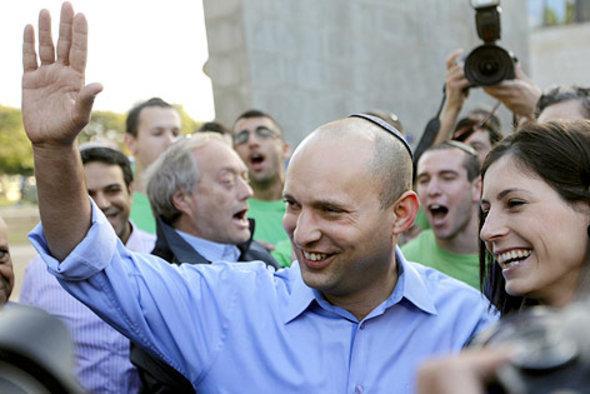 Naftali Bennett nach der Stimmabgabe; Foto: AP