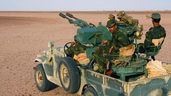 Kämpfer der Polisario; Foto: Karlos Zurutuza