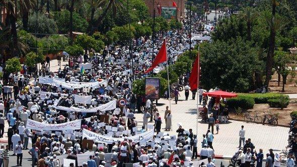 Proteste der M20 in Marrakesch; Foto: Abdeljalil Bounhar/AP/dapd
