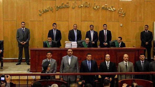 Gericht in Kairo bestätigt Todesstrafe wegen Fußballkrawallen; Foto: picture-alliance/AP