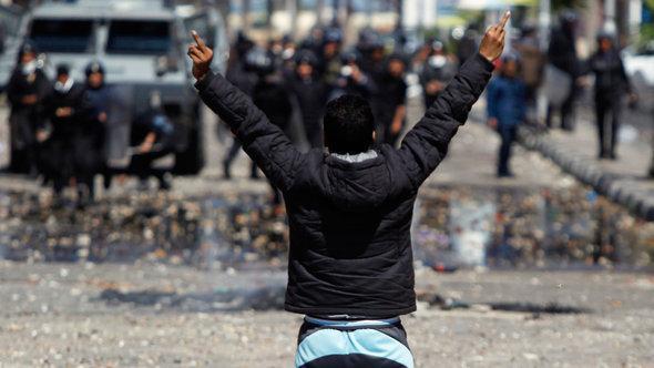 Ausschreitungen nach der Urteilsverkündung in Port Said; Foto: Reuters