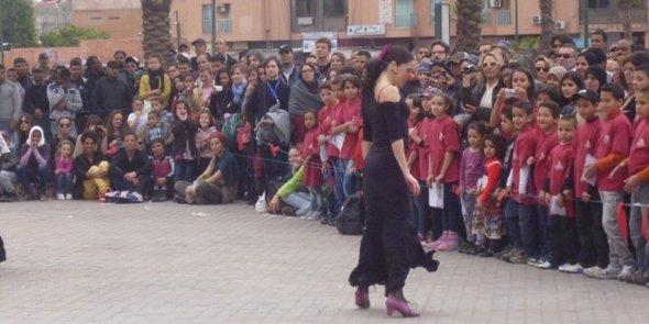 Tänzerin auf dem Tanzfestival On Mrche in Marrakesch; Foto: Astrid Kaminski