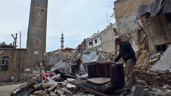 Zerstörtes Homs; Foto: REUTERS/Yazen Homsy
