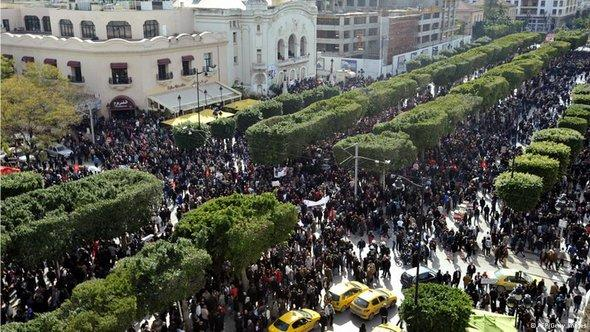 Demonstration in Tunis am 16. März, 40 Tage nach der Ermordung von Chokri Belaid; Foto: AFP/Getty Images