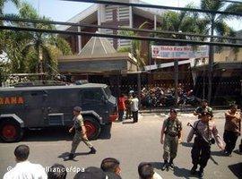 Selbstmordanschlag in einer katholischen Kirche in Zentraljava; Foto: dpa/picture-alliance