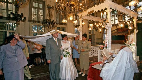 Hochzeit in der Karäischen Synagoge Hasköy in Istanbul; Foto: Izzet Keribar/DW