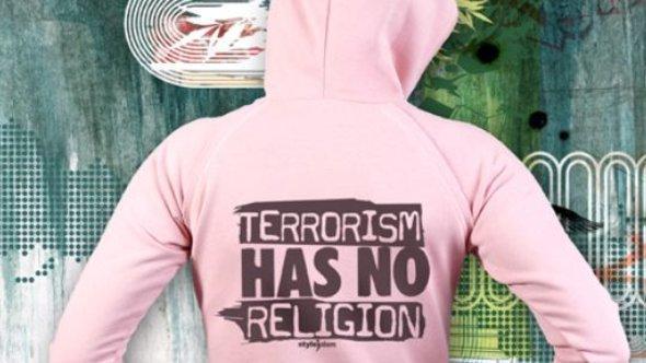 Das islamische Streetwear-Label 'Styleislam' mit dem Motiv 'Terrorism has no religion'; Foto: © Styleislam