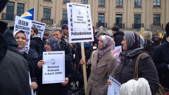 Demo türksicher Frauen in München gegen NSU-Terror; Foto: DW/Senada Sokollu