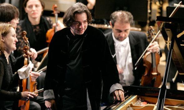 Fazil Say während eines Konzertes auf dem World Economic Forum in Davos; Foto: AP