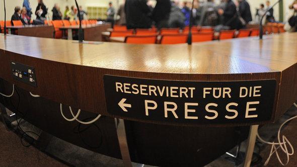 Presseplätze im Oberlandesgericht München; Foto: dpa/picture-alliance