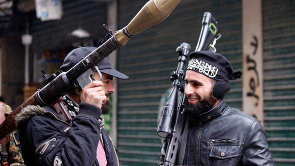 Rebellengruppe der Al-Nusra-Front in Aleppo; Foto: Reuters