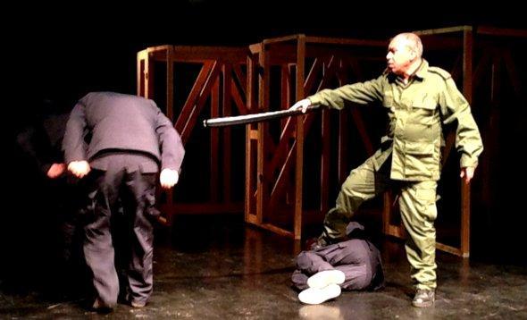 Szene aus 'Der deutsche Stuhl', Foto: Monika Borgmann