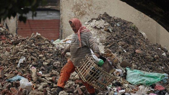 Müllsammlerin in Kairo; Foto: Getty Images