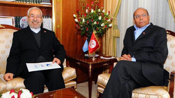 زعيم حركة النهضة الإسلامية راشد الغنوشي والرئيس التونسي منصف المرزوقي.