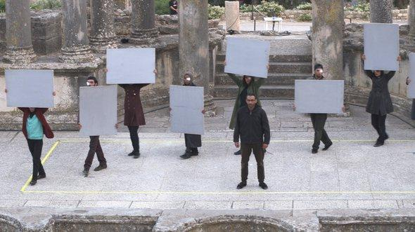 Fadhel Jaibis Theaterstück 'Tsunami'; Foto: Sarah Mersch