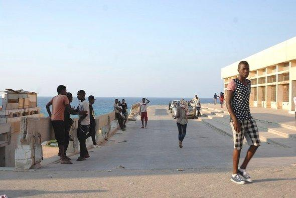 Unemployed youths in the Tawergha refugee camp at Janzur, a Tripoli suburb (photo: Valerie Stocker)